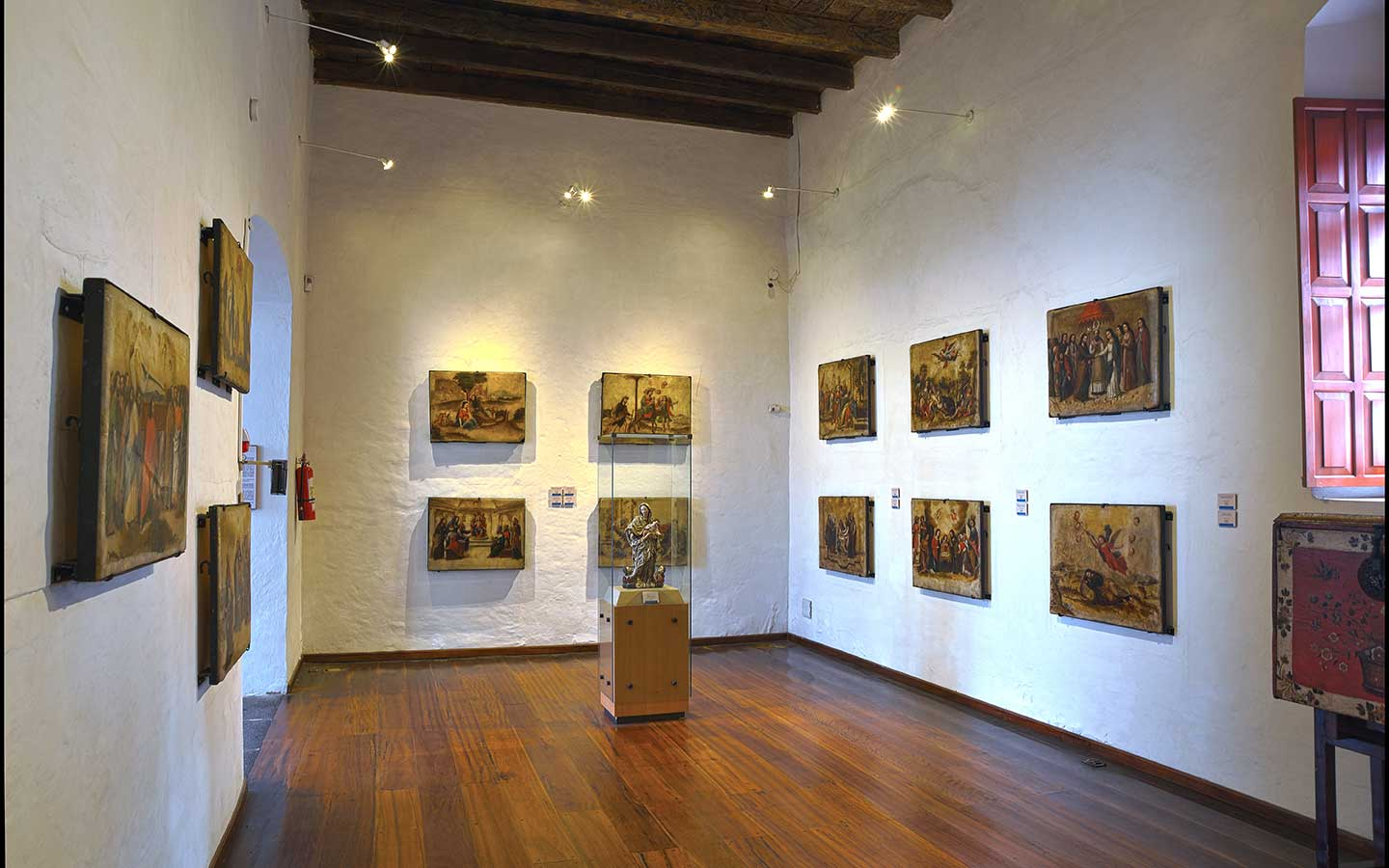 An art display in an art museum of Quito