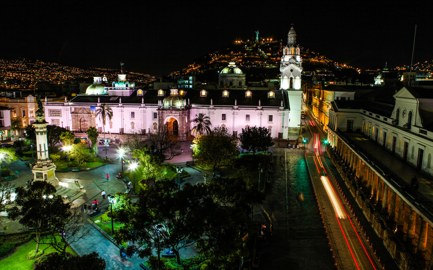 An overlook of the Plaza Grande of Quito with the Panecillo in the background