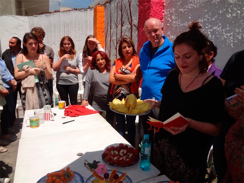 spanish-schoo-quito-fruit-presentation