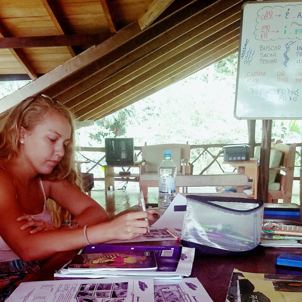 Students learning Spanish in the GAIA Lodge of the Ecuadorian Jungle